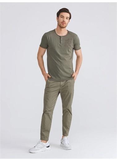 Xint XINT Patlı Yaka %100 Pamuk Slim Fit Nakış Detaylı Tişört Haki
